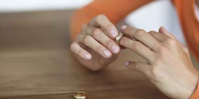 На алименты подавать после развода