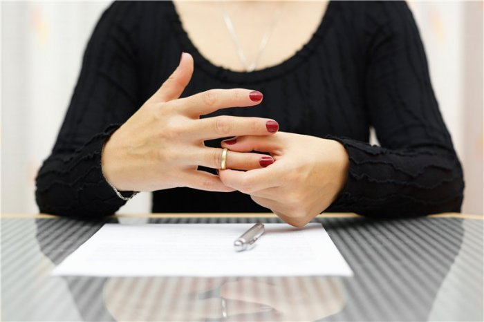 Расторжение брака (Развод). Заявление на развод. Как оформить развод в суде ? Как оформить развод если есть ребёнок ?